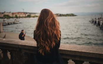 Henna jest odpowiednia dla każdego rodzaju i koloru włosów