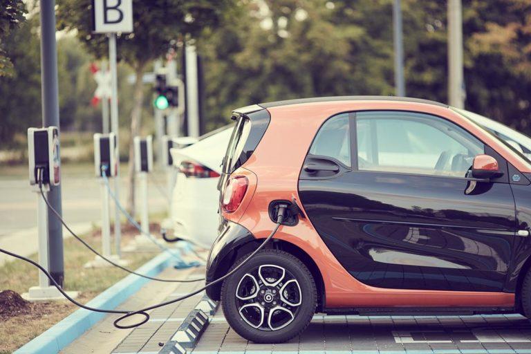 Jak często ładujesz swój samochód elektryczny?